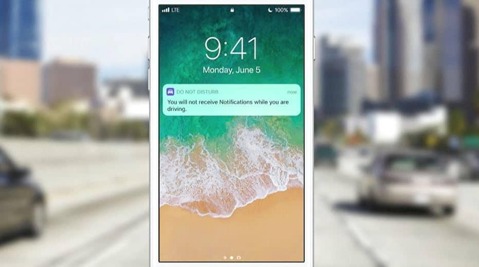 Laat Apple zijn oude telefoons bewust minder goed presteren?
