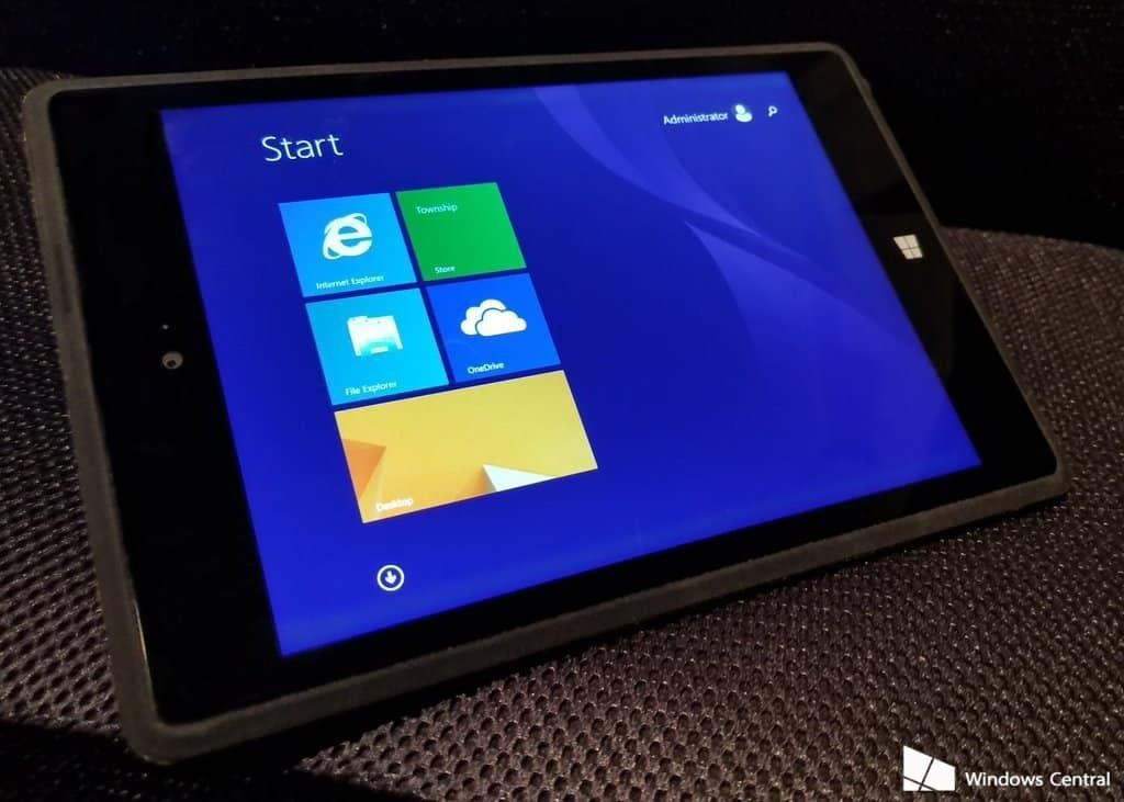 Nieuwe foto's onthullen geannuleerde Surface Mini-tablet
