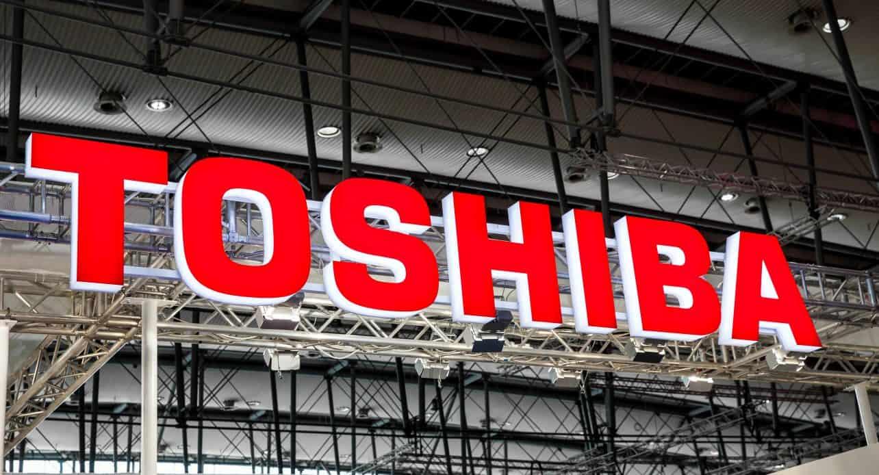 Machtsstrijd bij Toshiba: topbestuurders weg na onthullend rapport