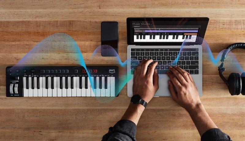 AWS lanceert AI-keyboard voor muziekwerken