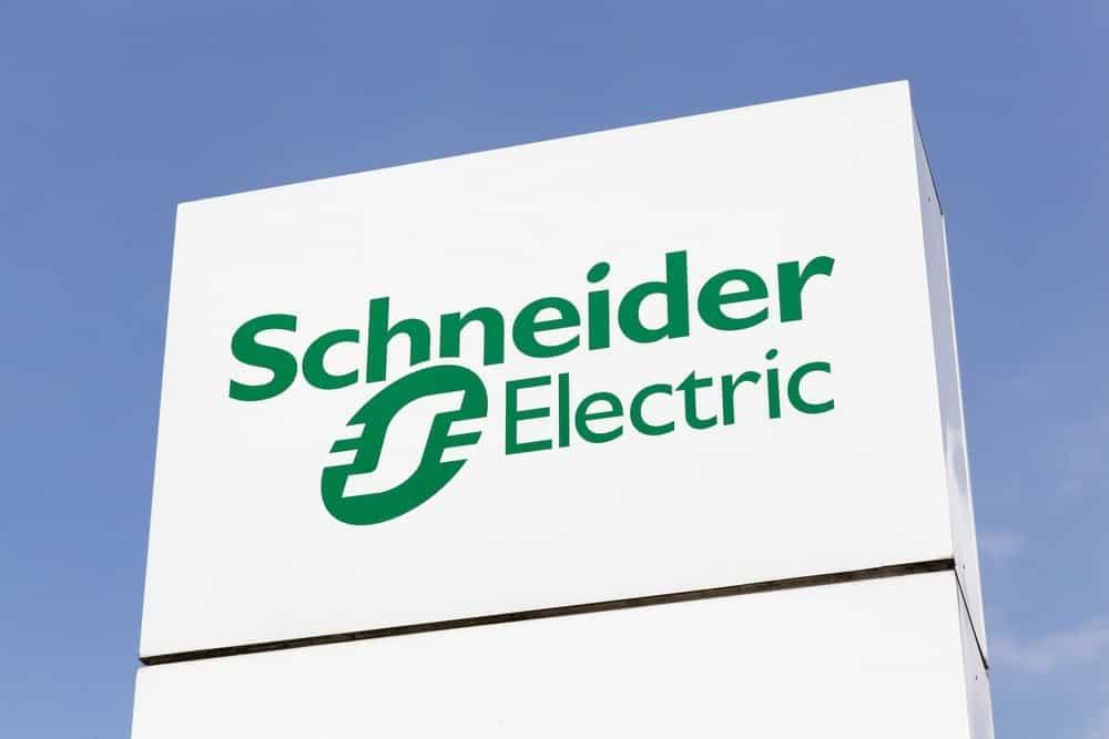 Schneider Electric lanceert serverrack met immersive liquid cooling