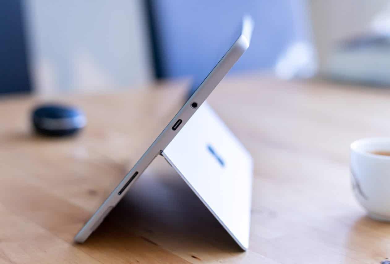 Microsoft Surface Go 2 review aansluitingen