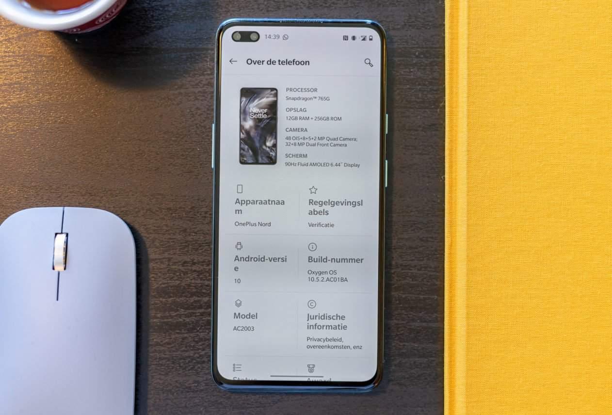 OnePlus Nord over de telefoon
