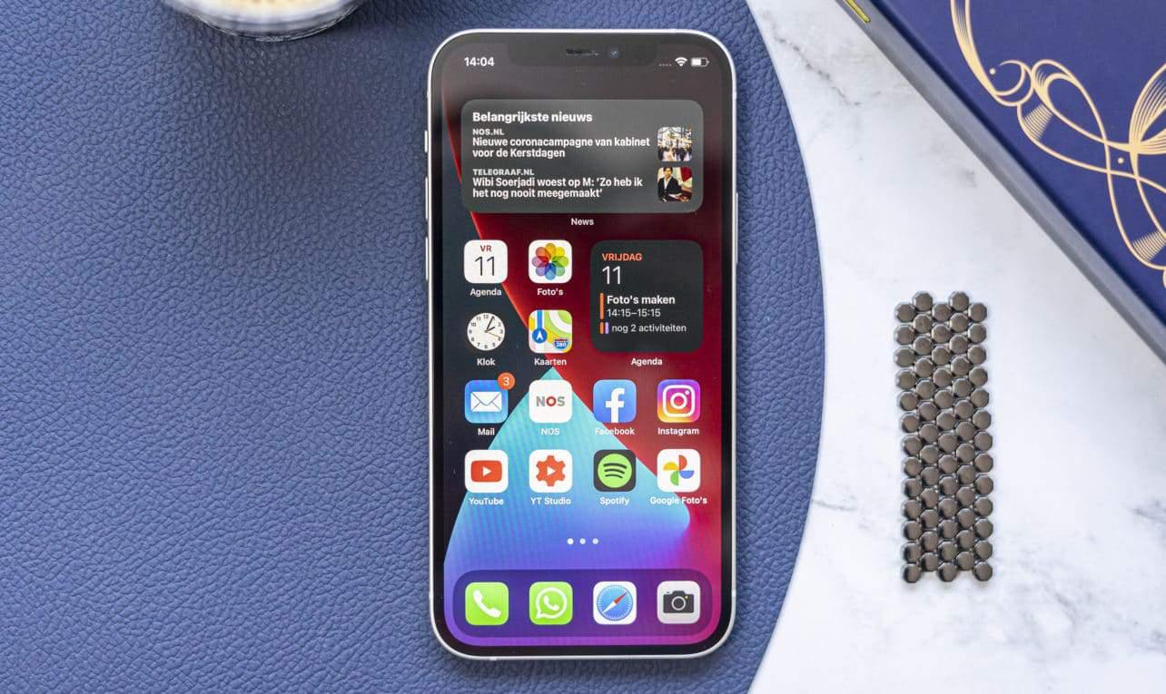Apple iPhone 12 voorkant