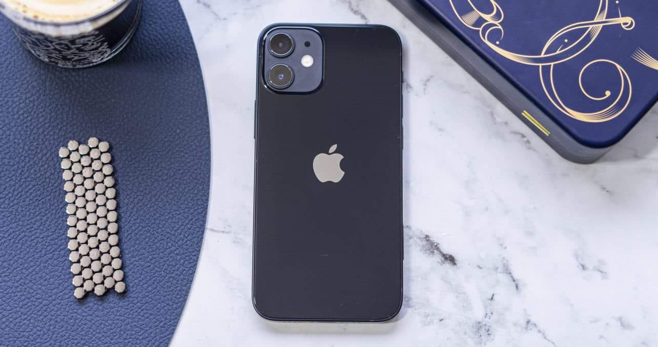 Apple iPhone 12 mini achterkant
