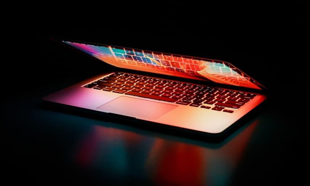 Apple heeft patent voor MacBook met twee schermen
